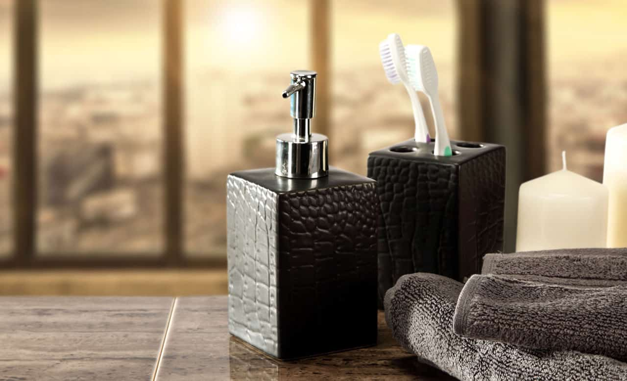 Bathroom Accessories - Munday Taylor Lamont